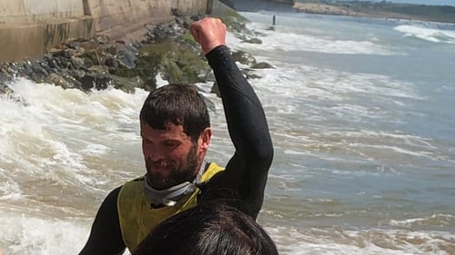 Jim Swift becomes the first person to circumnavigate the island of Ireland by paddling a surfboard with his hands