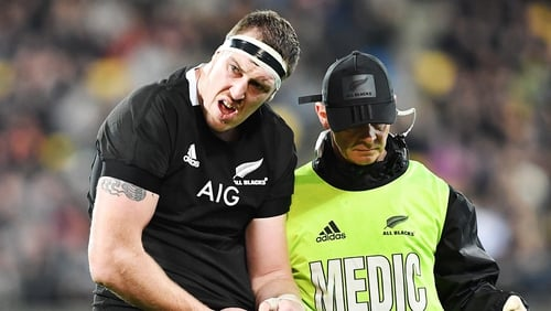 Brodie Retallick Brodie Retallick leaves the field with dislocated shoulder