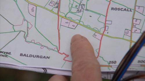 """Cúirt an Mhéinigh i bhFine Gall, mar a bhfuil """"The Raheens"""" suite"""