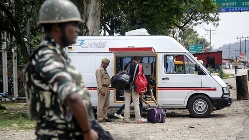 """Tourists and students have been advised to leave Kashmir """"immediately"""""""