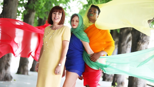 Josepha Madigan TD and models Laoise Maguire and David Ogumefulaunch the Culture Night 2019 programme