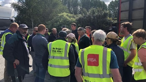 Around 28 beef farmers are protesting at the factory (Pic: Conor McHugh, Leinster Leader)