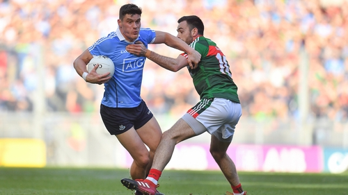 Connolly bursts past Kevin McLoughlin