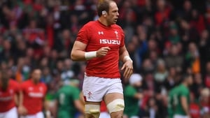 Alun Wyn Jones returns to Wales's starting XV for Saturday