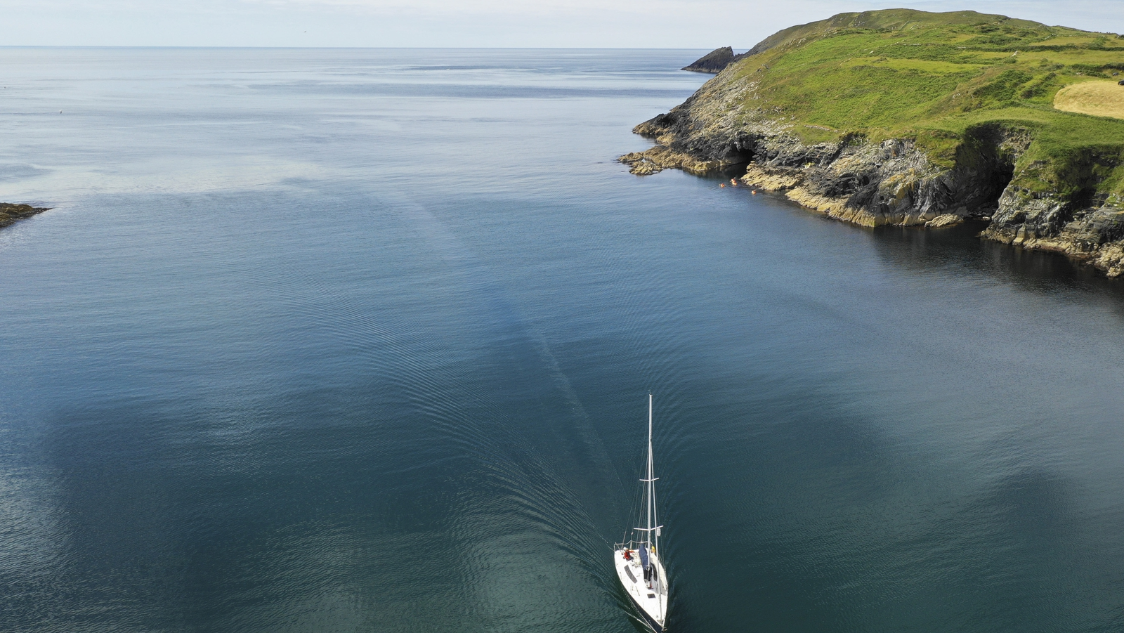 Image - Gliding into Cape Clear, Co Cork (Pic: Leon Giblin Photography)