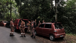 More than 300 people are involved in the search to find Nóra in the dense remote forest