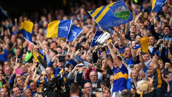 Seamus Callanan lifts the Liam MacCarthy Cup