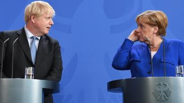 Príomh-Aire na Breataine,Boris Johnson, agus Seansailéir na Gearmáine, Angela Merkel