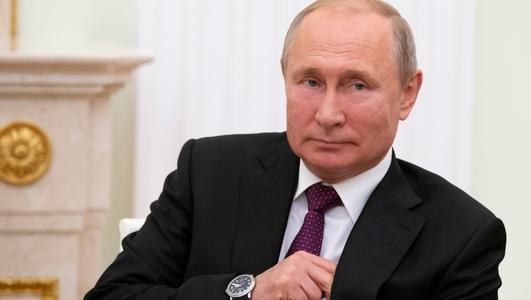 Robert Service on Vladimir Putin's Russia