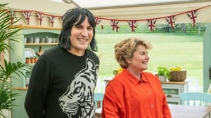 Noel Fielding and Sandy Toskvig brought their usual sunny selves back into the tent
