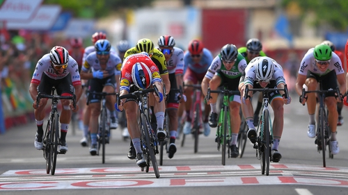 Fabio Jakobsen and Sam Bennett push for the line and it was the Dutchman who secured the stage win
