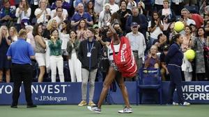 The crowd applauds Venus Williams