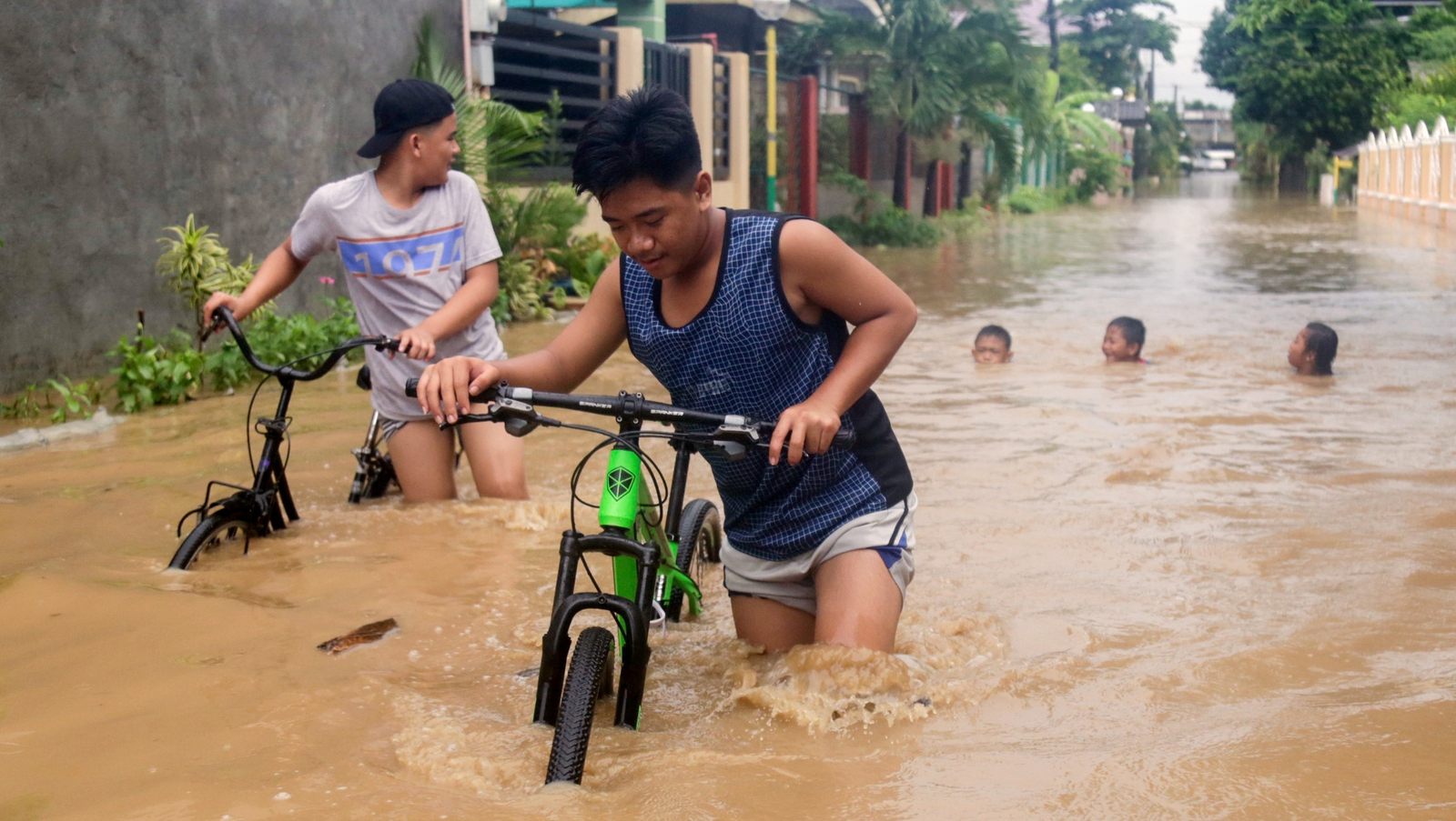 Draft UN report warns of rising seas, storm surges