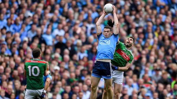 Fenton reaches high for the Dubs