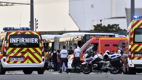 Knife attack kills 1, injures 9 in France; suspect detained