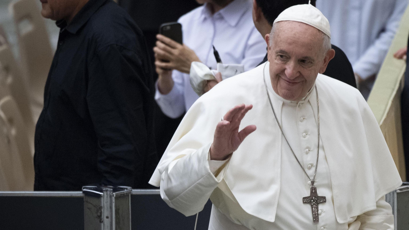 Pope Francis begins three-nation visit to Africa