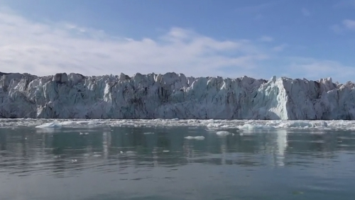 Since 1970, average annual temperatures have risen by 4Cin Svalbard