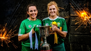 Limerick's Grace Lee and Laura Collins of Kerry pose with the 	Kay Mills Cup