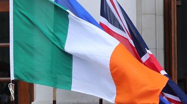 Móramh beag sa Tuaisceart i bhfabhar athaontú na hÉireann