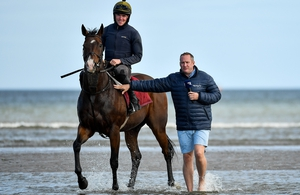 Racing TV's Niall Hannity does like to be beside the seaside