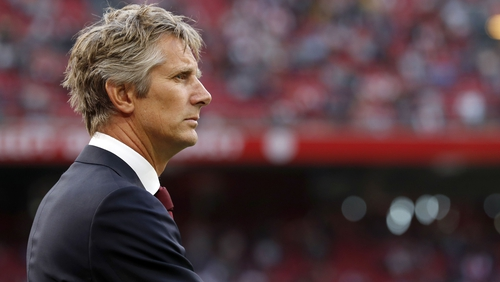 Edwin van der Sar isn't in any hurry to leave Ajax