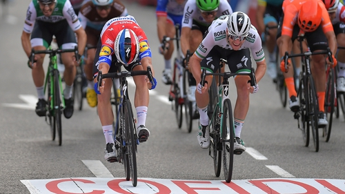 Sam Bennett is just edged to the final line by stage winner Fabio Jakobsen