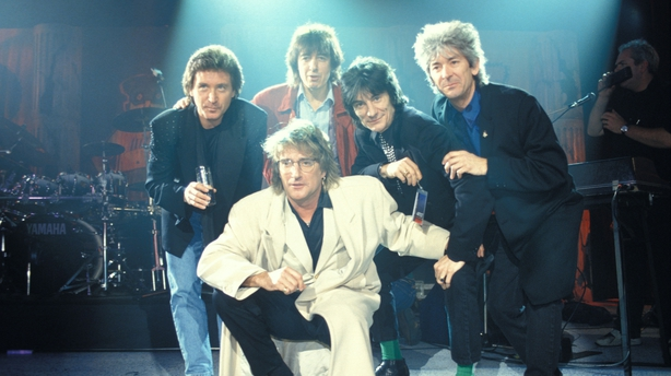 Singer Rod Stewart opens up on fight against cancer