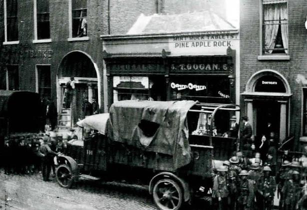 Raid by British military forces on Sinn Féin headquarters, Harcourt St., Dublin, 12 September 1919 Photo: Bureau of Military History