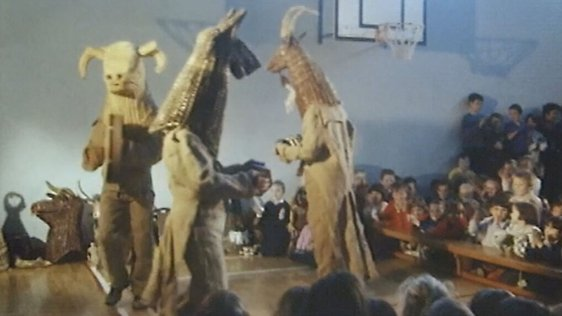 The Armagh Rhymers perform for pupils of St Patrick's Primary School, Armagh (1995)