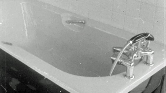 Making a Bath (1969)