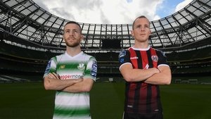 Jack Byrne (L) and Derek Pender were at the FIFA 20 League of Ireland Cover Launch - the sleeves can be downloaded from today.