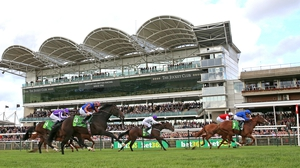 Earthlight repels Golden Horde on the Rowley Mile
