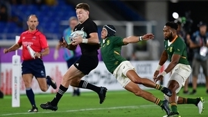 Springbok Cheslin Kolbe tackles Beauden Barret