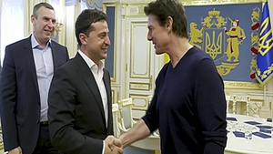 Ukrainian leader Volodymyr Zelensky and Tom Cruise met in Kiev on Monday