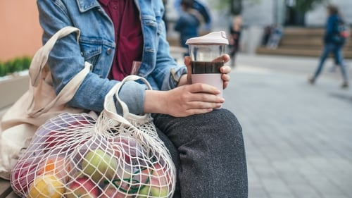 Top tips to live your best eco-friendly college life.