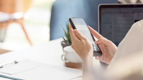 ComReg to set the rates that network operators can charge to originate a call to an 1800 Freephone number to a maximum of 0.87 cent per minute from a fixed network