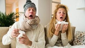 The checklist: sore throat, fever, cough, phlegm, runny nose... Photo: Aleksandra Suzi/ Shutterstock