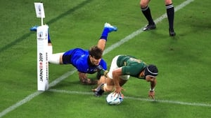 Cheslin Kolbe gets over for a try