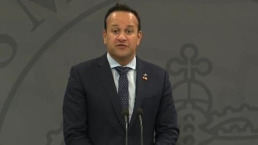 Fine Gael maintains narrow lead over Fianna Fáil - poll