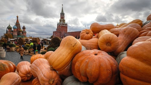 Pumpkins on the back of a truck during the 'Golden Autumn' gastronomic festival at Red Square in Moscow, Russia. The festival, dedicated to the history of agriculture, takes place from 4-13 October in central Moscow | Image: EPA-EFE/Yuri Kochetkov