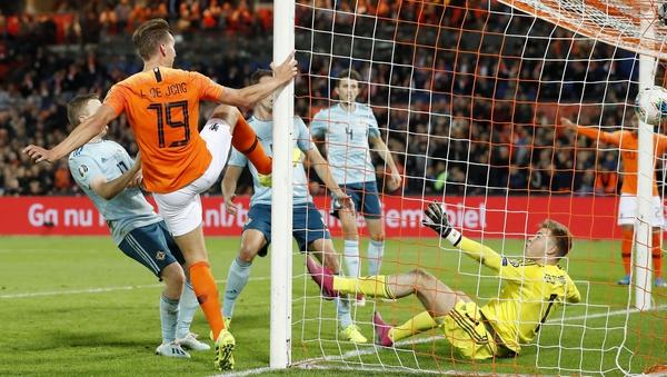 Three goals in the last ten minutes saw Netherlands power past Northern Ireland