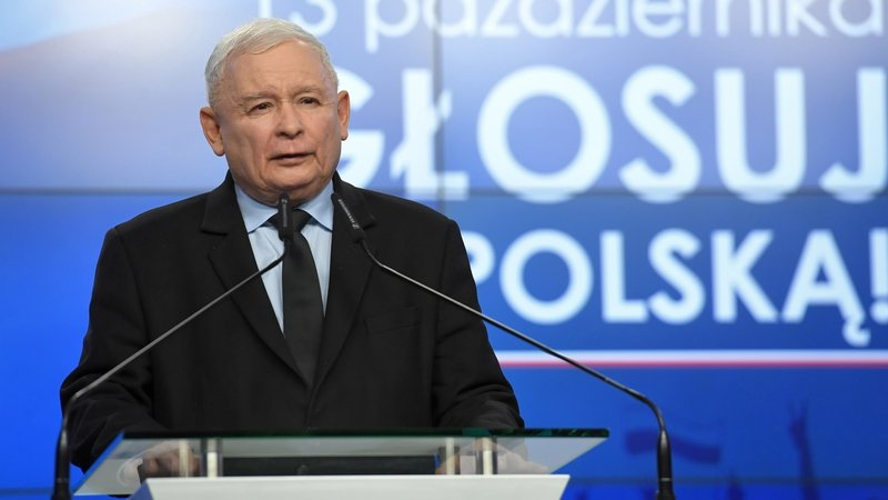 Poland's ruling nationalists wins majority in election