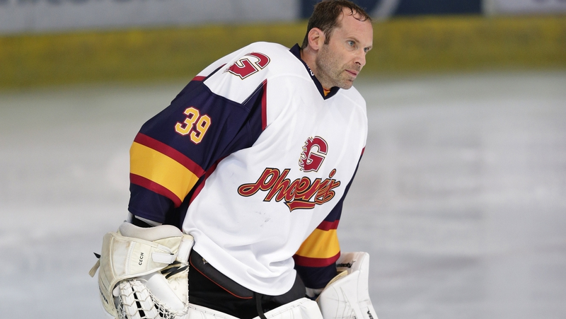 Petr Cech the shootout hero in ice hockey debut