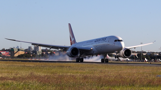 Longest non-stop passenger flight arrives in Sydney