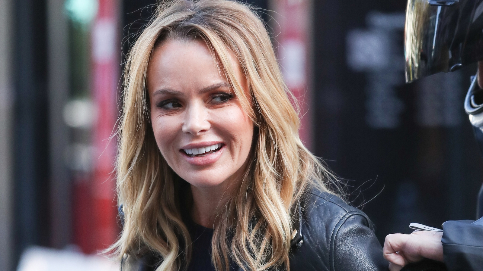Amanda Holden Films amanda holden broke her leg in two places on holiday
