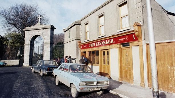 The Gravediggers Pub, Prospect Square, Glasnevin (1976)