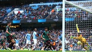 Kevin De Bruyne scores Manchester City's second