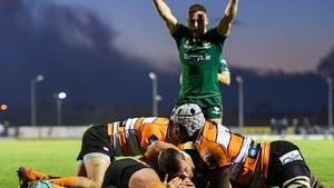 Tom Farrell scores Connacht's third try