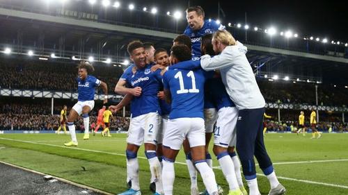Mason Holgate celebrates his goal with Everton team-mates