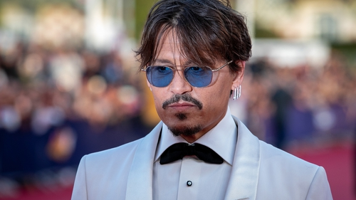 Johnny Depp takes tabloid to court in 'wife beater' libel case